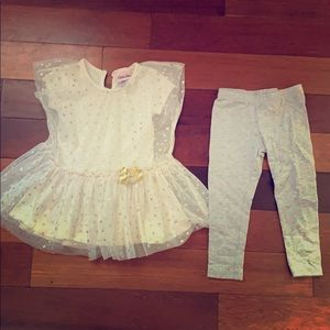 Adorable dress and leggings set!💕